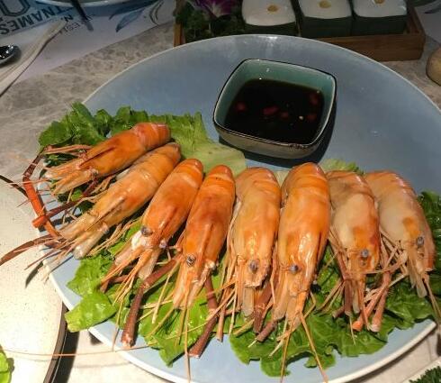 南宁吃湘菜怎么能少得了剁椒鱼头这道镇店之宝